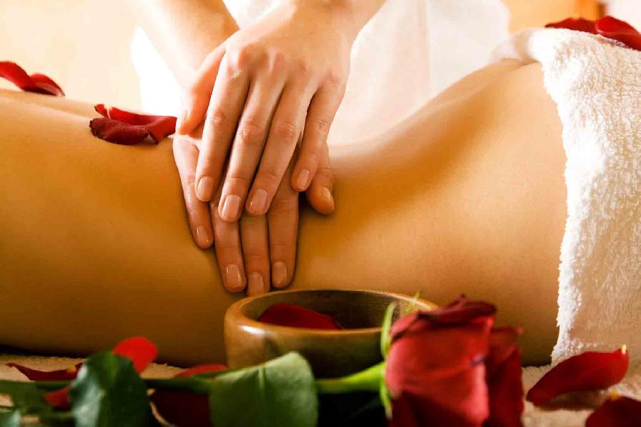 vidéo massage ayurvédique naturiste Sainte-Marie