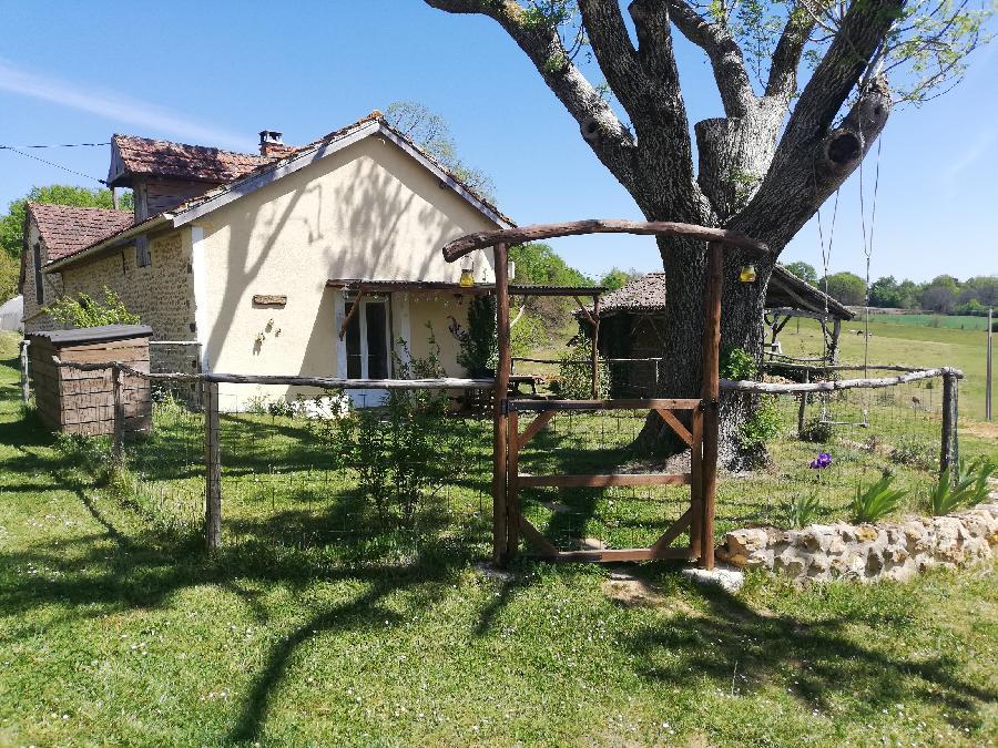 gite equestre Lacropte Dordogne Tashunka Town