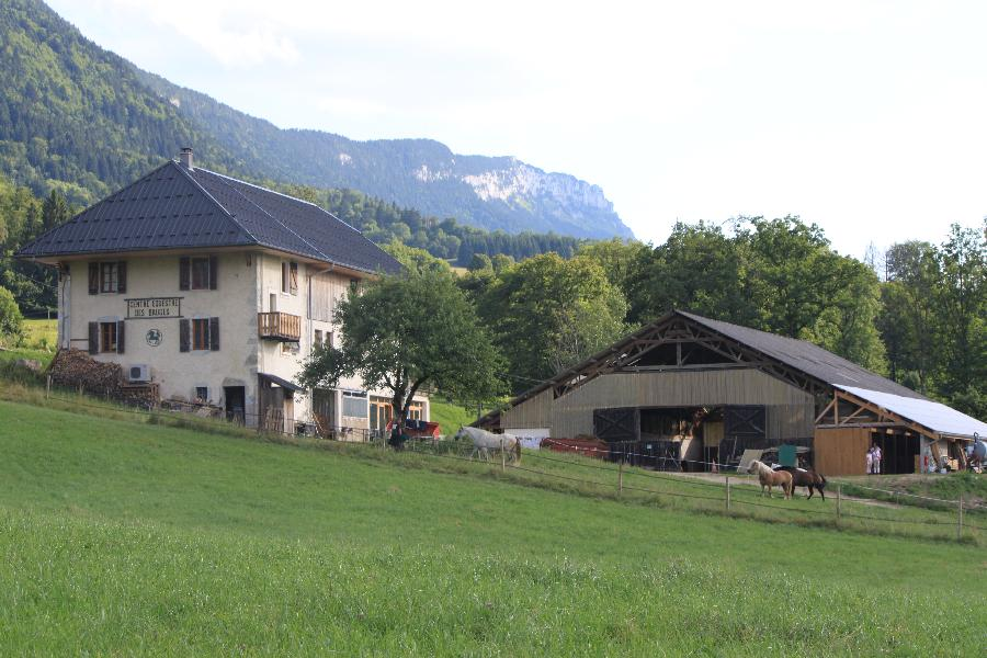 gite equestre Lescheraines Savoie Centre Équestre des Bauges